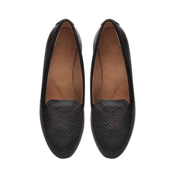 black real leather pumps very comfortable and stylish