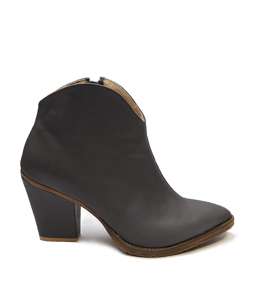 Ladies ankle boots handmade from real leather