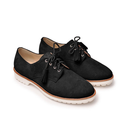 Black flat shoes perfect to work