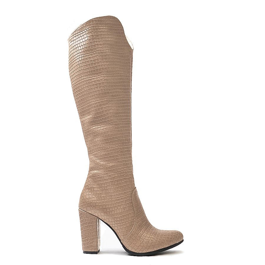Very comfortable high heel winter boots made from soft leather