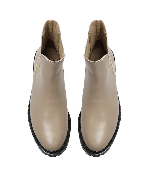 Ladies chelsea boots made from real leather