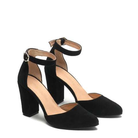 Lovely black high heel sandals great for any ocassion, perfect to dress and jeans