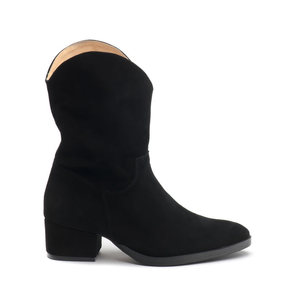 black real leather winter boots very stylish and comfortable