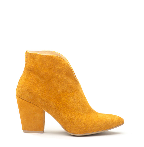 Amber ladies high heel ankle boots perfect for cold days. Boots are very comfortable and simple stylish