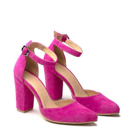 Fuchsia colour of summer this Lovely high heel sandals great for any ocassion, perfect to dress and jeans
