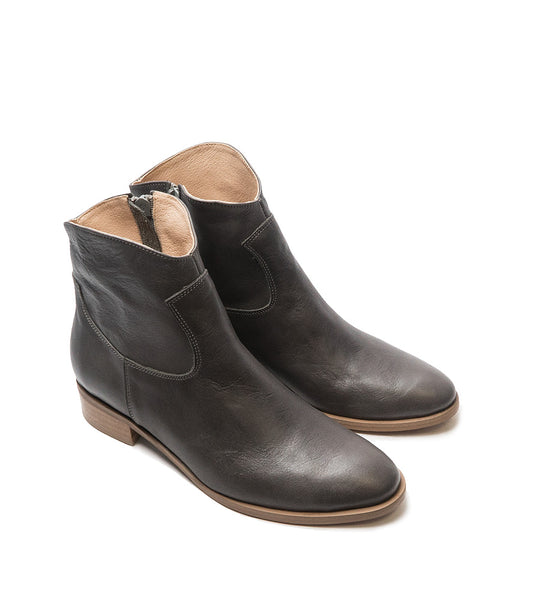 Real leather ankle boots very comfortable and stylish