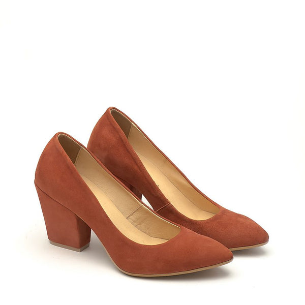 Real leather ladies court shoes in rusty colour