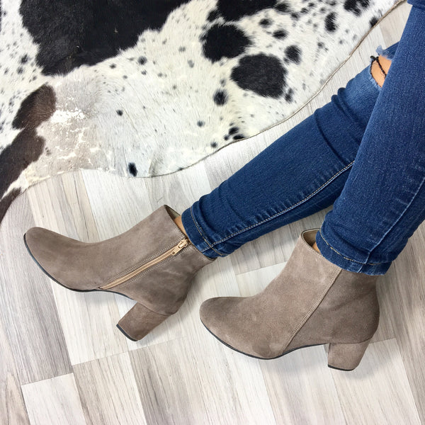 Real leather ladies ankle boots in beige colour