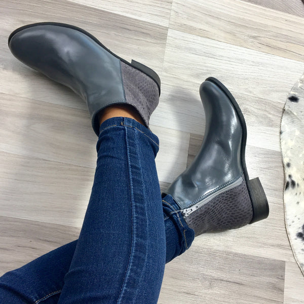 Green ladies ankle boots perfect for cold days. Boots are very comfortable and simple stylish