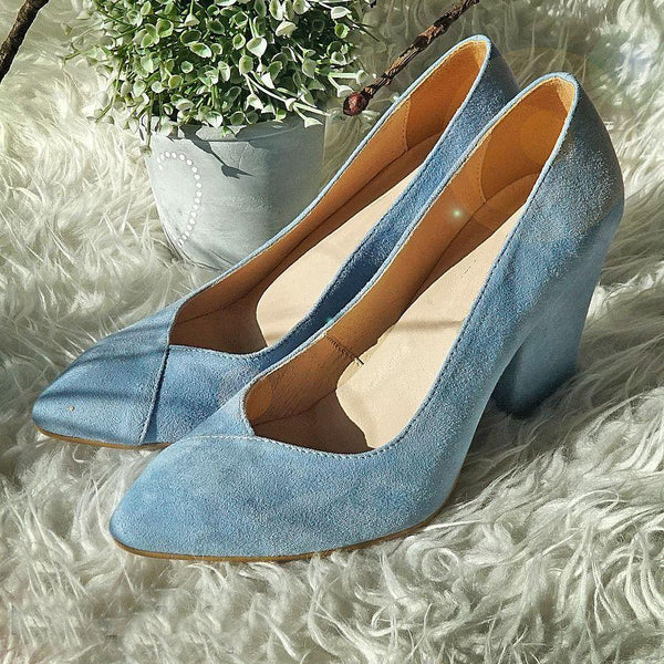 comfortable and stylish court shoes