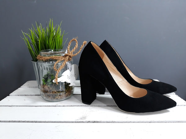 real leather ladies court shoes