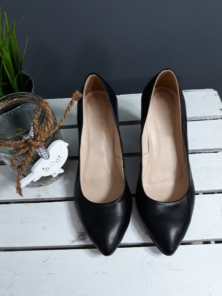 real leather court shoes