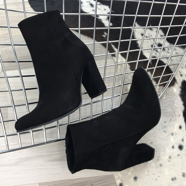 black real leather ankle boots perfect to work