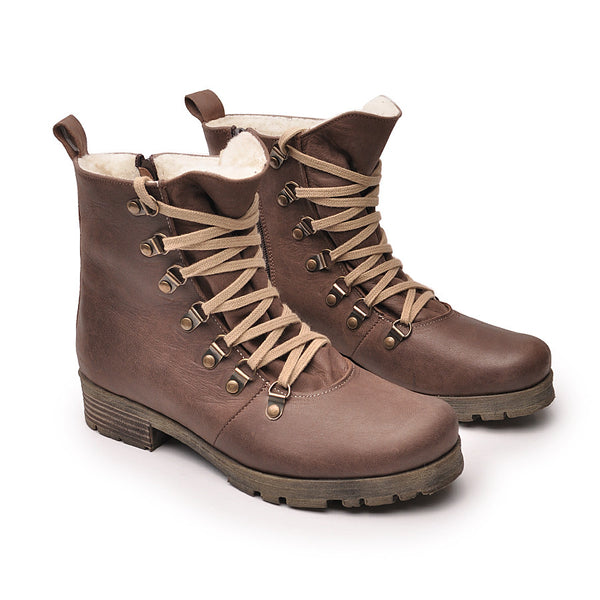 Brown ladies ankle boots perfect for cold days. Boots are very comfortable and simple stylish