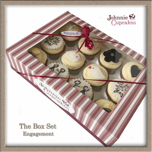 Engagement Cupcakes. - Johnnie Cupcakes