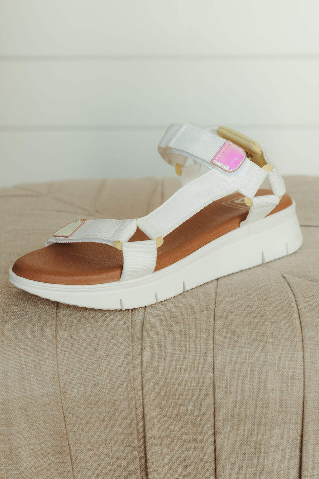 Chinese Laundry QWest Sandal ~ White