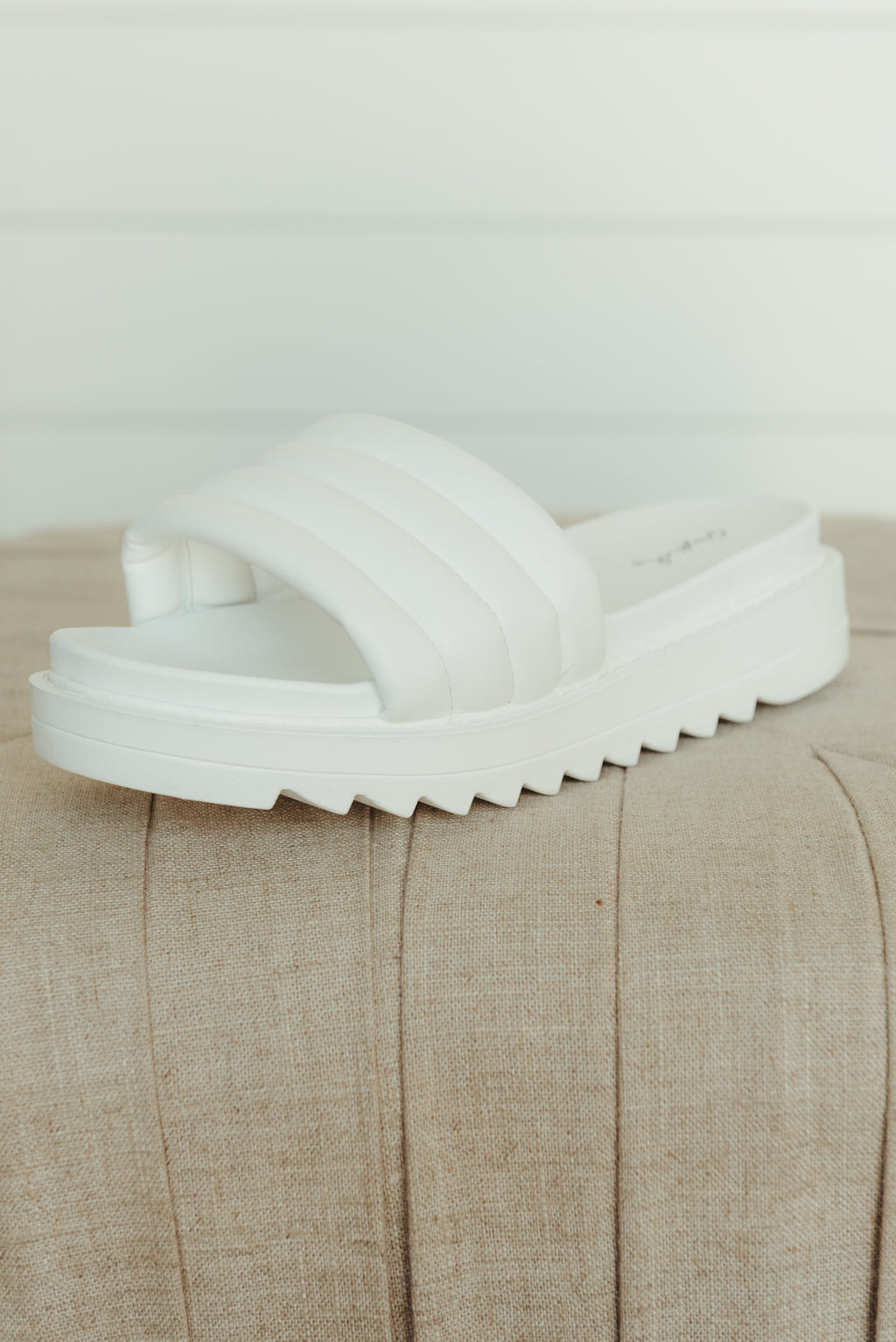 Camber Stretch Sandal ~ White