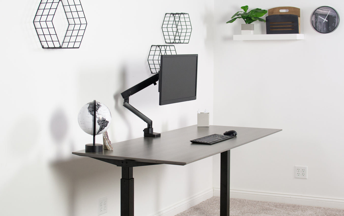 The Ultimate Beginners Guide to Designing a Desk Setup