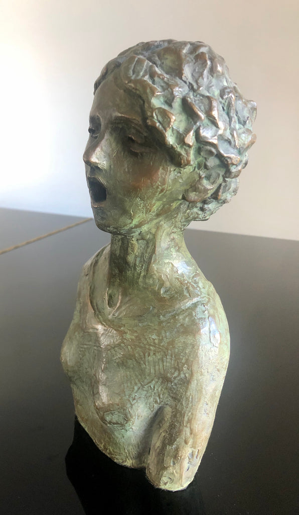 She sings - sculpture
