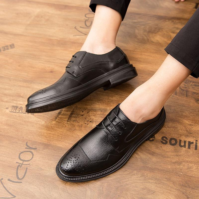 19 autumn Brock men's shoes Korean version of British business dress pointy casual men's shoes