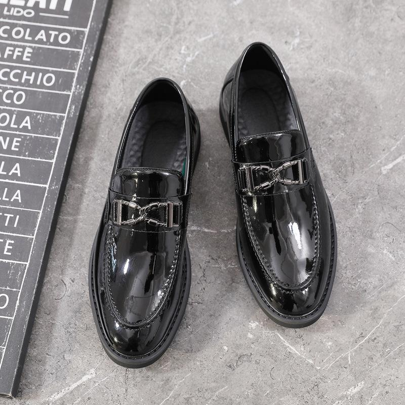 New casual large and small leather shoes in autumn