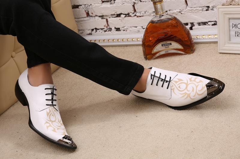 Korean fashion men's hair stylist pointed shoes British fashion printed leather white business casual men's shoes shoes