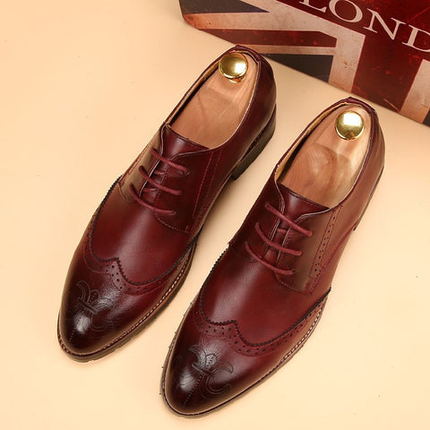 men pointed business shoes