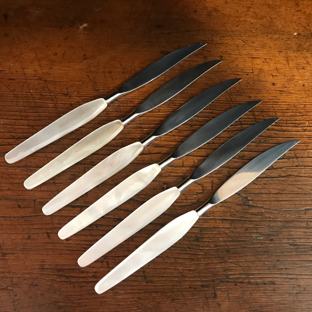 Vintage Lucite Mother of Pearl Knives (Set of 6)