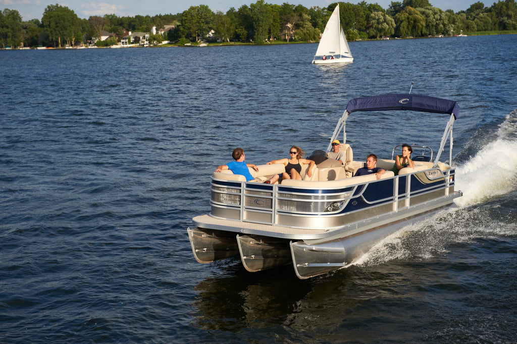 Top 4 Reasons to Choose a Pontoon Boat