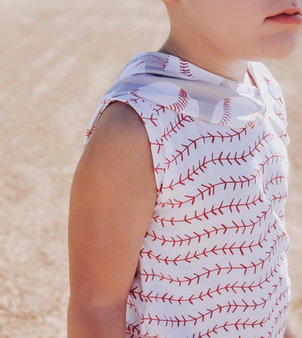 BASEBALL SEAMS WITH RED POCKET