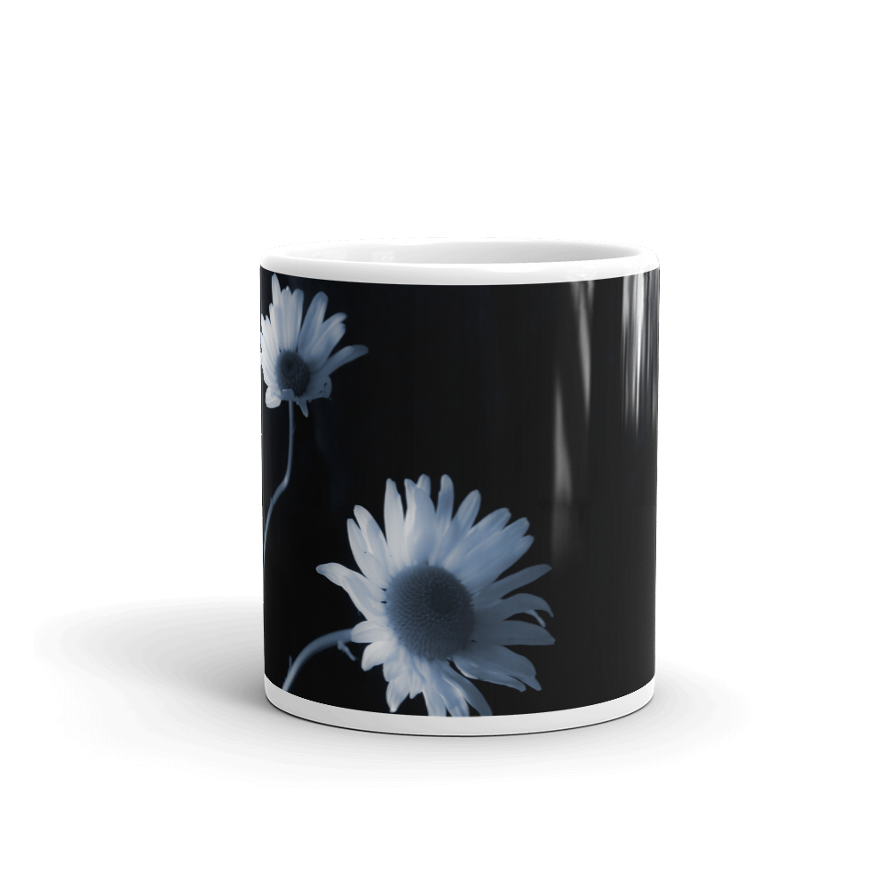 BLACK AND WHITE DAISY CUP