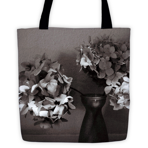 BLACK AND WHITE TOTE