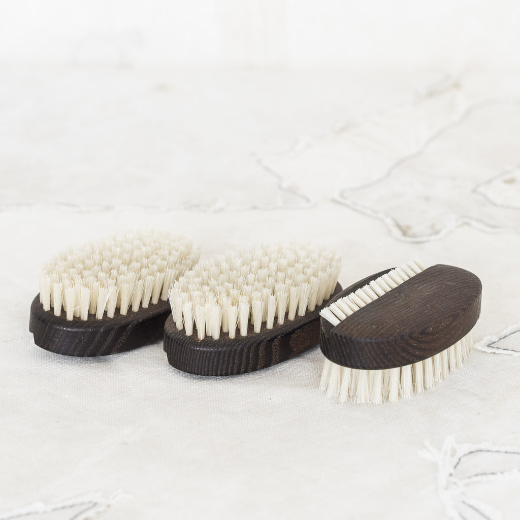 Oval Thermo Wood Nail Brush. The best of the best. Cooked wood means this chocolate wood never rots, never gets that black fungus that wet wood can.