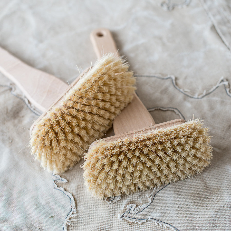 Bath Scrubbing Brush with Long Handle. Made in Germany. German Brush ware. The Lost and Found Department, Artarmon.