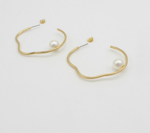 Jolie & Deen Bella Hoop Earrings