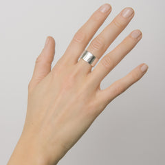 Wide Hammered Overlapped Ring
