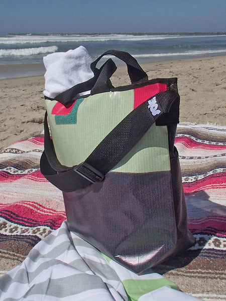 solesupplyco-beachtote-with-towels