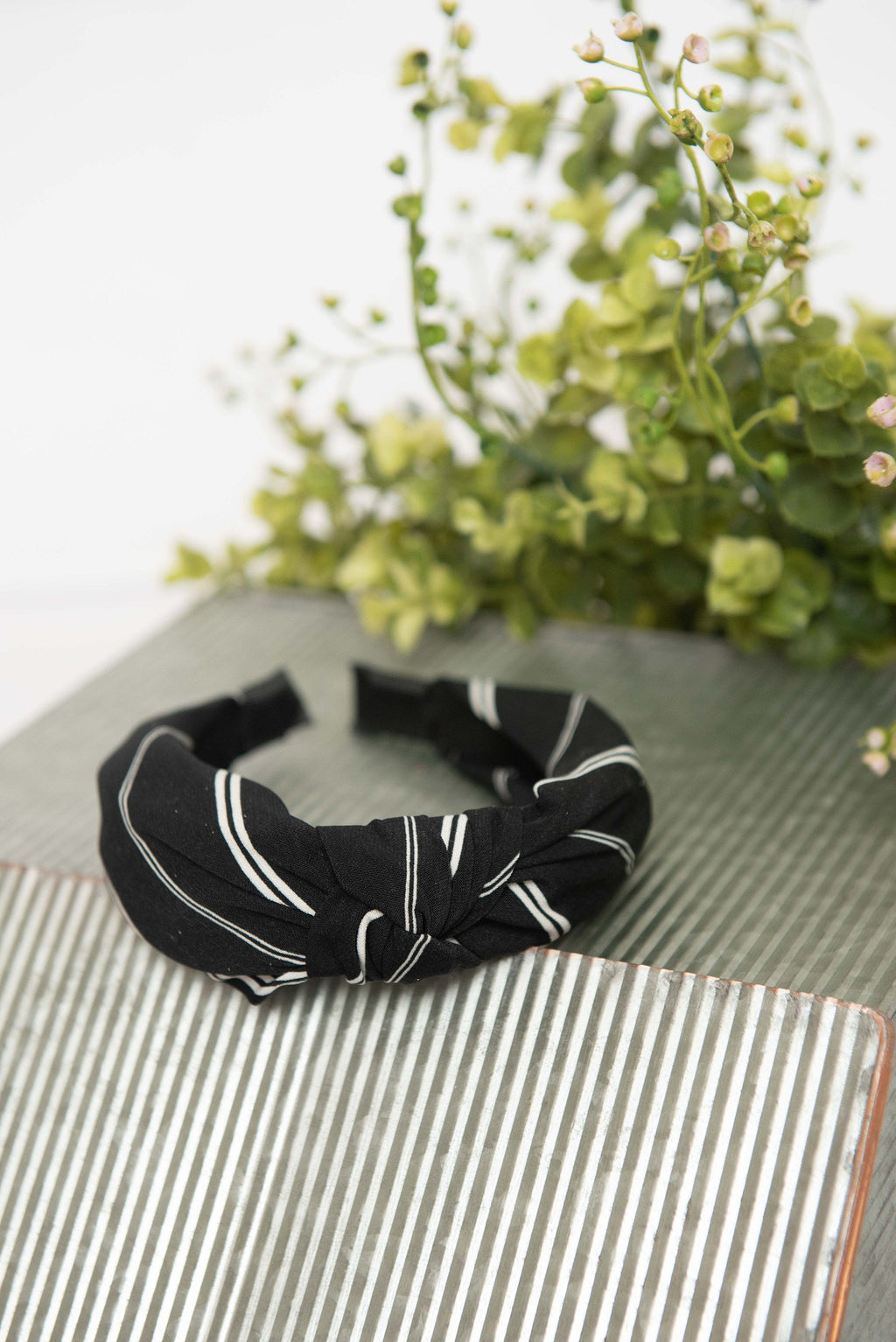 black knotted hard headband for girl