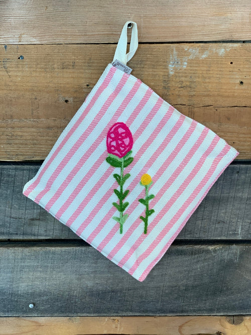 SPRING FLOWER FIELD - EMBROIDERED POT HOLDER