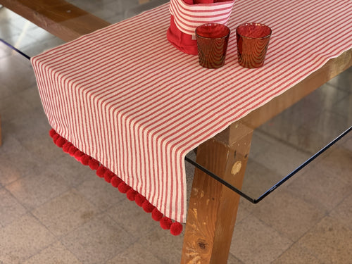 LONG PLACEMAT MELOGRANO WITH POM POM