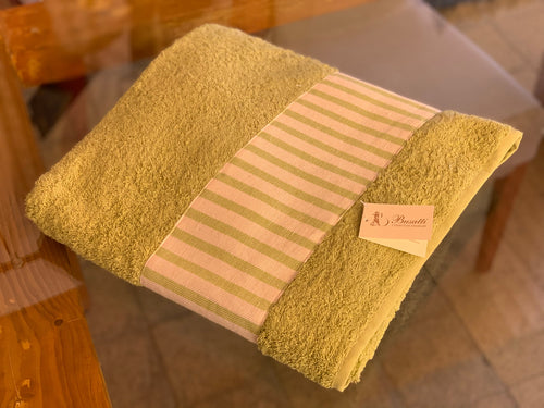 TERRY BATH TOWEL  WITH BORDER - sage green