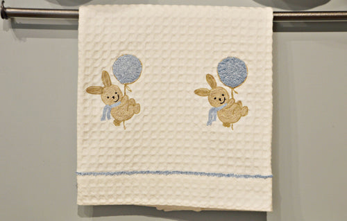 BATH TOWEL - BUNNY WITH BALLOON