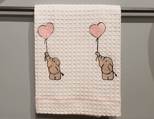 BATH TOWEL WITH ELEPHANT