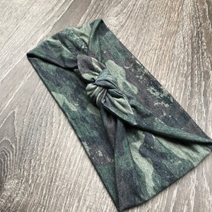 Distressed Camo 3-in-1 Topknot™