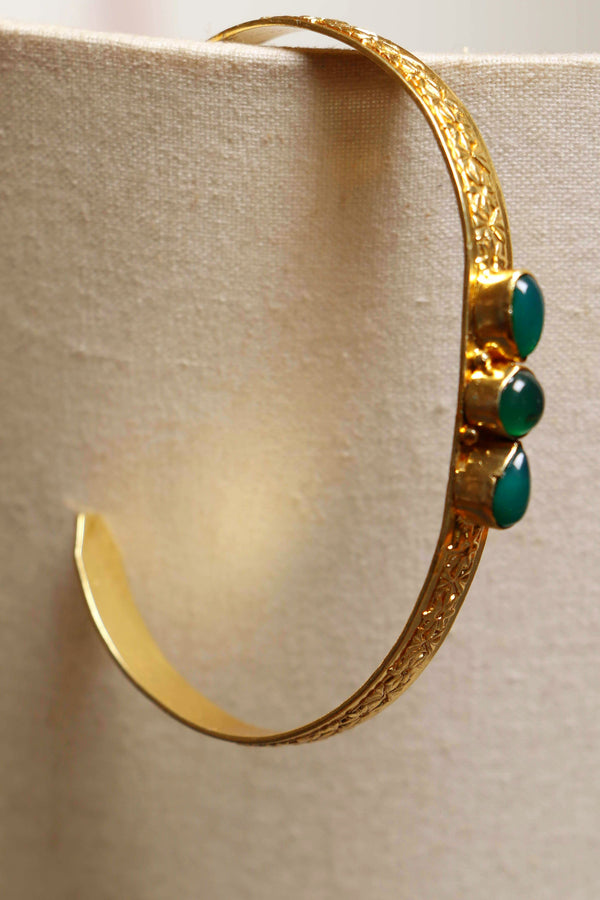 Brass green onyx bracelet with 3 stones