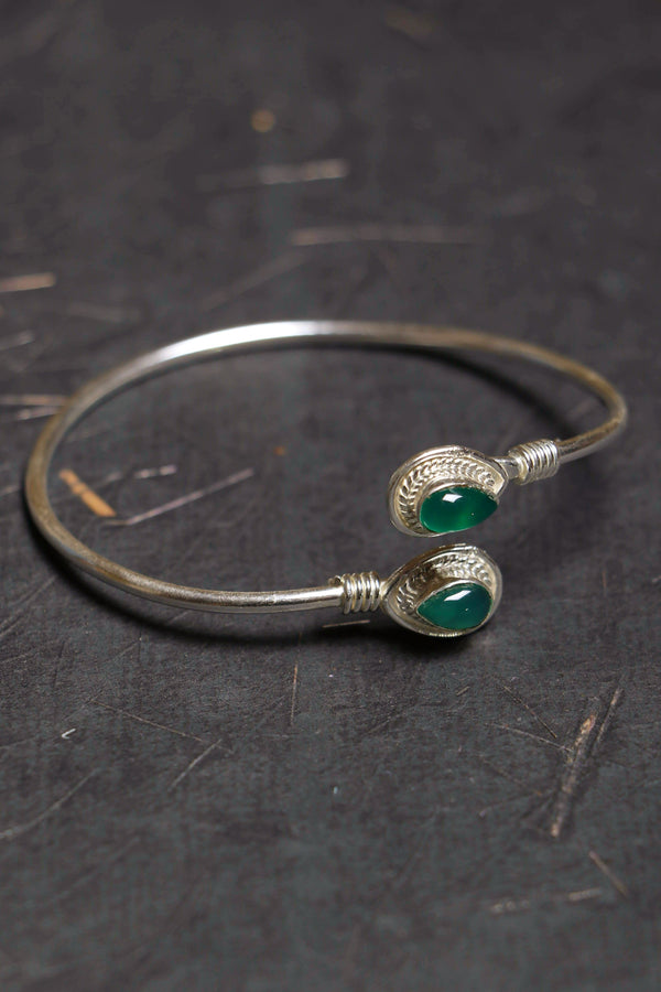 Brass two stone green onyx bracelet