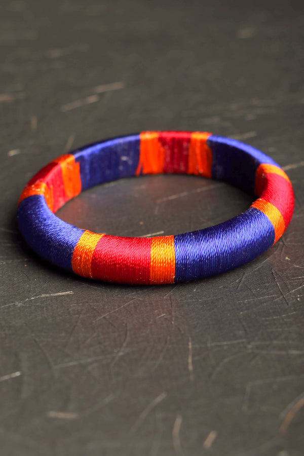 Churi series Silk block II threaded bangle