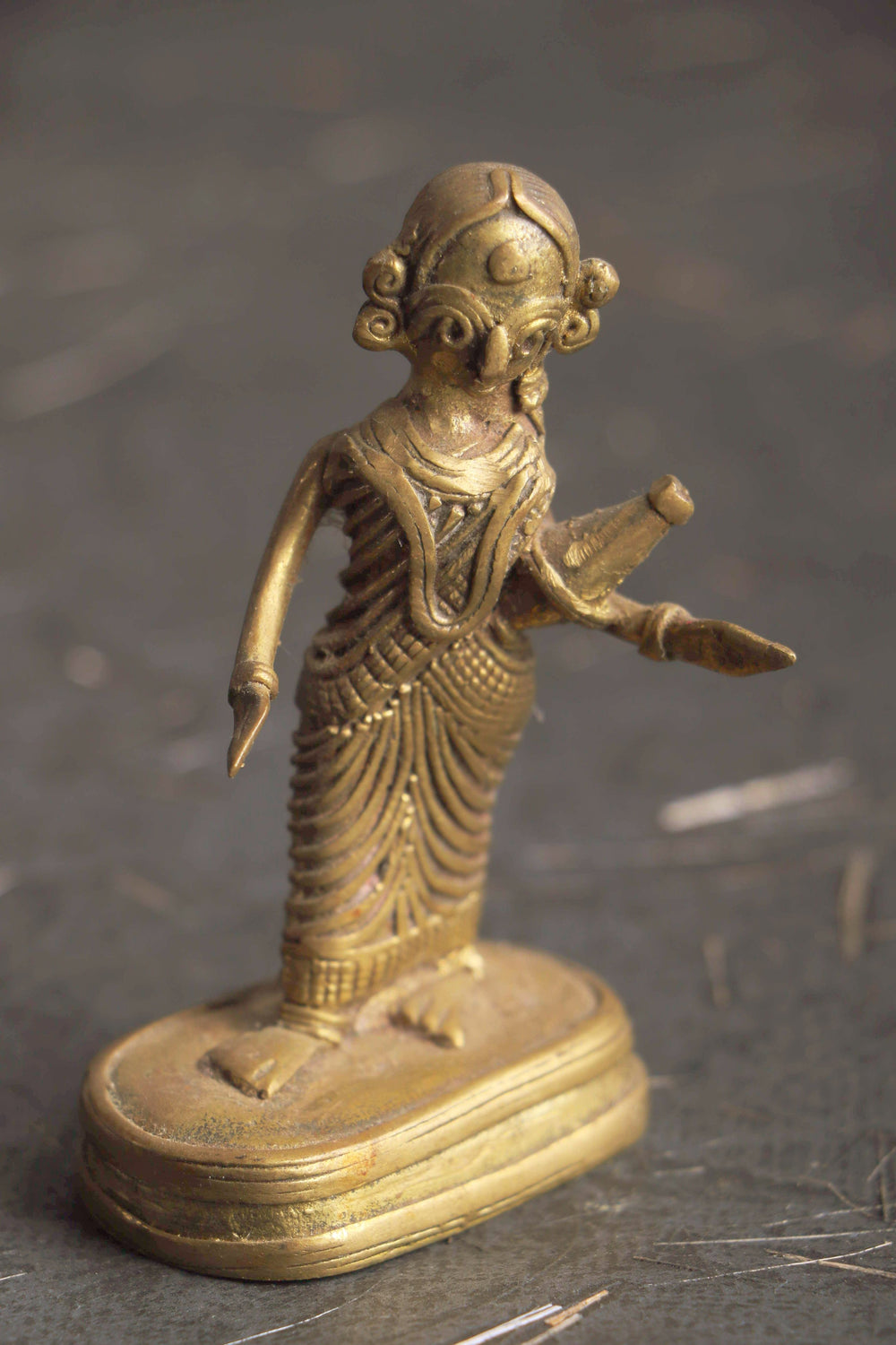 Dhokra Tribal woman with vessel curio