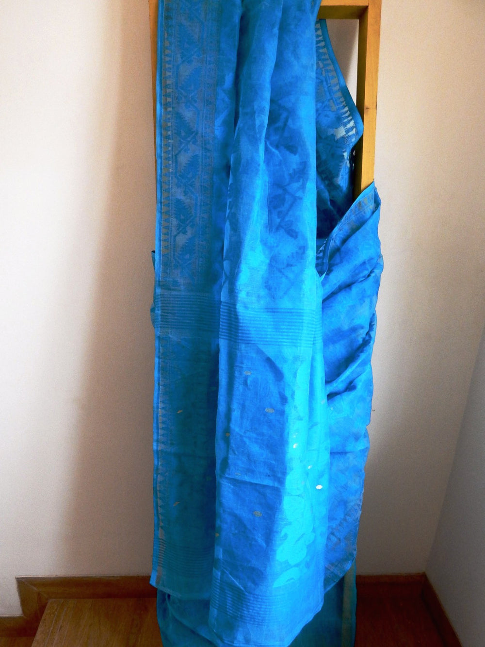 Bengal weaves series featherlight V jamdani saree d