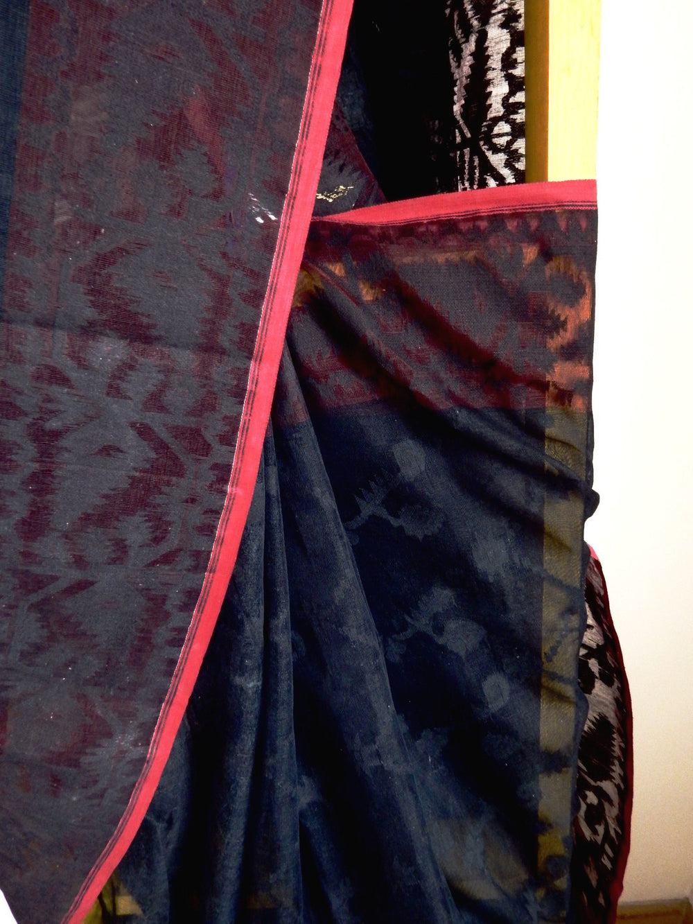 Bengal weaves series featherlight VI jamdani saree